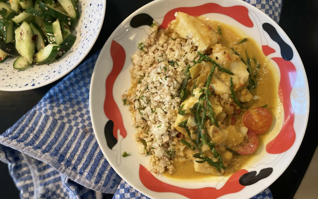 Vis curry met zeekraal en bloemkoolrijst